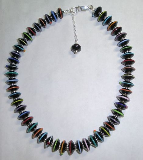 BlackDiscBeadNecklace