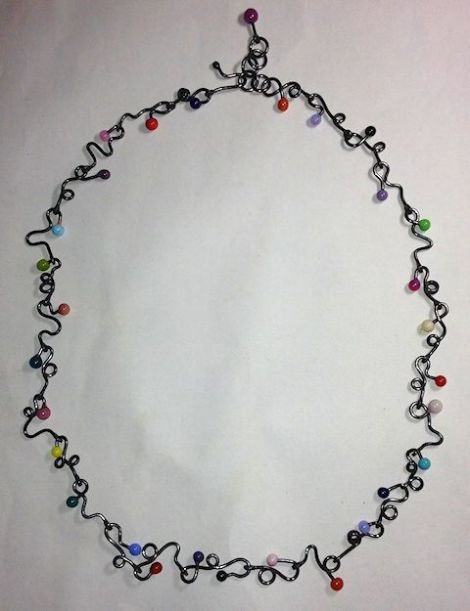 CurvyWireNecklace-RandomColors