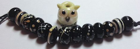 BlackSquiggleBeads-Owl