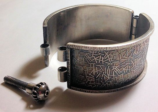 bracelet hinged jewlery television gemstore by foundation